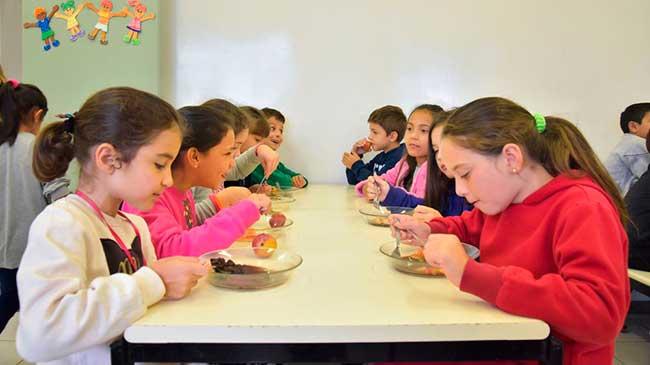 Caxias do Sul alimentação escolar 3 - Caxias do Sul já investiu mais de R$ 19 milhões em alimentação escolar
