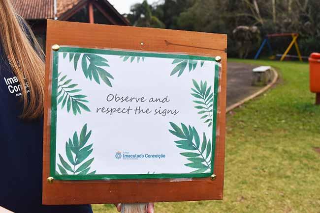 Colégio Imaculada Conceição instala placas em inglês no Parque Municipal Romeo Wolf2 - Alunos instalam placas em inglês em parque de Dois Irmãos