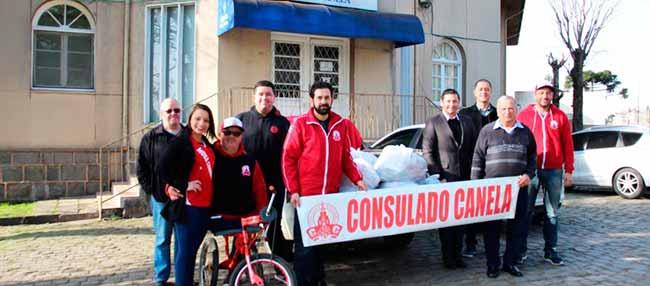 Consulado do Inter de Canela - Consulado do Inter de Canela doa alimentos ao Hospital de Caridade