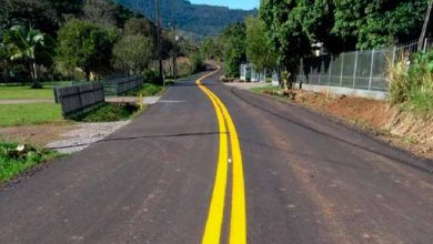 Daer conclui recuperação da pavimentação da VRS 827 em Nova Petrópolis 390x220 - Daer conclui recuperação da VRS-827, em Nova Petrópolis