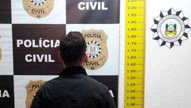 Gramado preso suspeito de tráfico 390x220 - Homem é preso por tráfico de drogas próximo a escola em Gramado