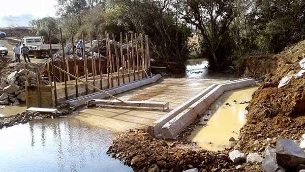Obras Ponte Criúva Jair Salvador 14 - Concluída base da nova ponte sobre o Arroio dos Ramos em Caxias do Sul