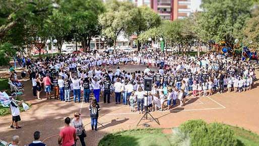 Tribos 2018 Cred Parceiros Voluntários - Dia Nacional do Voluntariado é comemorado pela ONG Parceiros Voluntários no Largo Glênio Perez