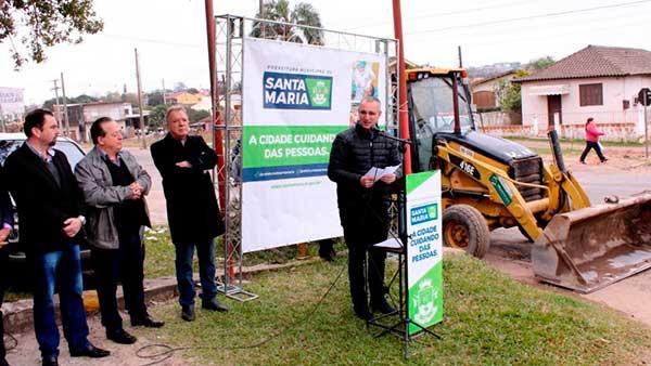 asfaltamento em santa maria rs 1 - Jorge Pozzobom assina ordem de serviço para drenagem e asfaltamento em Santa Maria