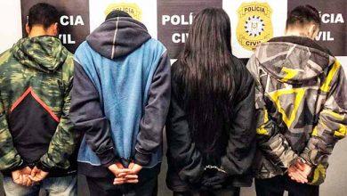 caroubviam 390x220 - Quatro presos em Viamão com armas e veículo roubado