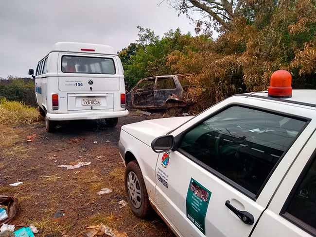 carsl - Descarte irregular de lixo e carcaça de carro encontrados em São Leopoldo