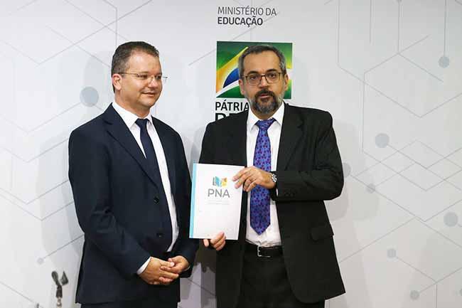 pna - MEC lança cartilha da Política Nacional da Alfabetização