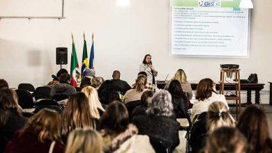 saúde vocal dos professores 2 390x220 - Pelotas cuida da saúde vocal dos professores municipais