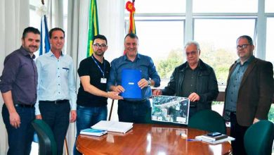 tramcarl 390x220 - Carlos Barbosa recebe projeto que reestrutura o acesso pela BR-470