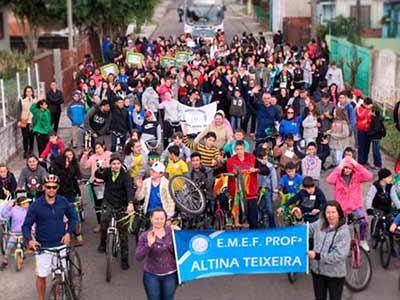 Caminha em Santa Maria RS - Passeio ciclístico e caminhada reúne mais de 400 pessoas em honra à Pátria em Santa Maria