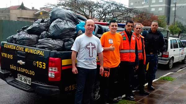 Defesa Civil recebe doação para Campanha do Agasalho São Leopoldo - Defesa Civil recebe doação para Campanha do Agasalho de São Leopoldo