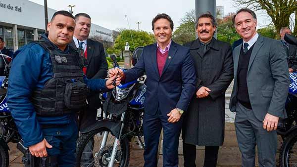 Entrega de motos PMCS 6 - Daniel Guerra entrega novas motocicletas a saúde, segurança e trânsito de Caxias do Sul