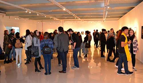 Manipuladas na Casa da Cultura Caxias do Sul 2 - Abertura da exposição reúne cerca de 200 pessoas na Casa da Cultura de Caxias