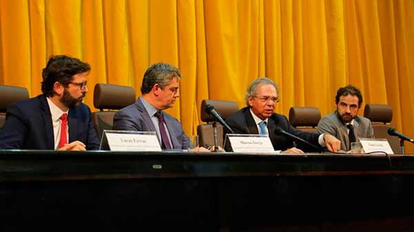 Paulo Guedes acordo com Argentina - Livre comércio automotivo com Argentina ajuda no planejamento do setor