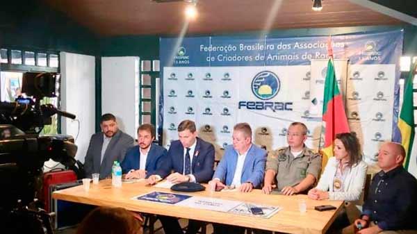 Polícia Civil na Expointer - Polícia Civil lança Força-Tarefa das DECRABs e Coordenadoria Estadual de Combate aos Crimes Rurais e Abigeato na Expointer