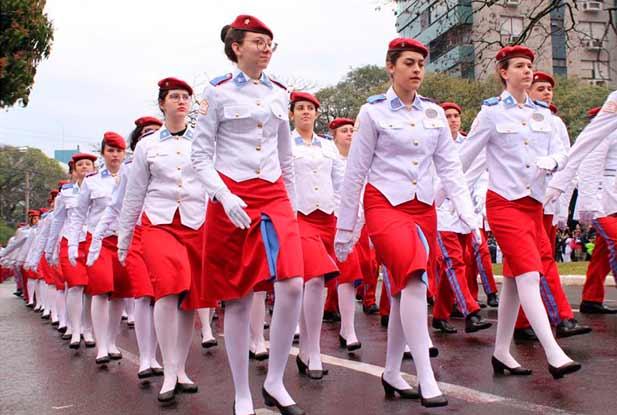 Santa Maria desfile 7 de setembro 3 - Abaixo de chuva, Santa Maria celebra o 7 de Setembro na Avenida Medianeira
