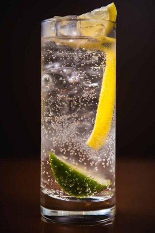 Tonic 5 312x468 - Drinks Ypióca para comemorar o Dia Nacional da Cachaça