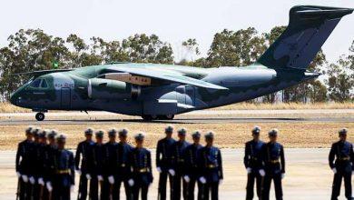 aviao fab 390x220 - FAB recebe novo avião militar KC-390