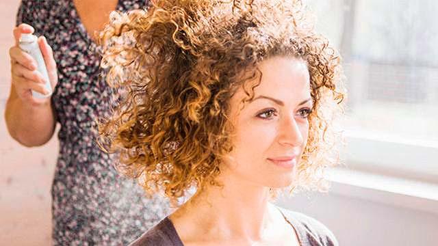 crsp - Dermatologista dá dicas de cuidados para os cabelos crespos