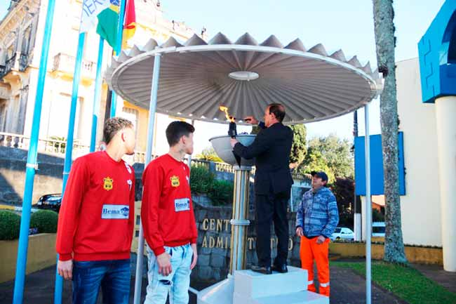 fogo garib - Garibaldi inicia as atividades da Semana da Pátria