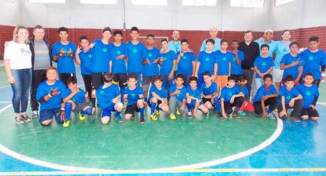meninosdeouro - Projeto Meninos de Ouro de Lajeado recebe doação de uniformes