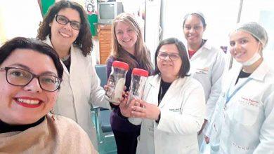 vidros leite 390x220 - Escola de Gravataí entrega doação para Banco de Leite Humano