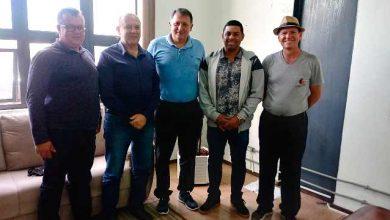 Photo of Prefeitura e Lifasc celebram parceria para o futebol em Santa Cruz do Sul