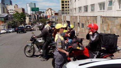 Revista News blitz-educativa-motos-1-390x220 Blitz educativa da secretaria de Trânsito aborda 51 motociclistas em Caxias do Sul