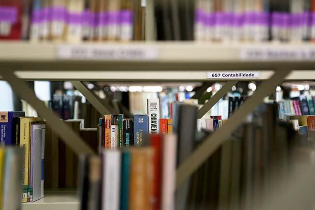 Revista News livros-esteio Biblioteca Pública de Esteio inicia campanha para a devolução de livros