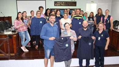 Photo of Canela motiva agentes de saúde e entrega uniformes