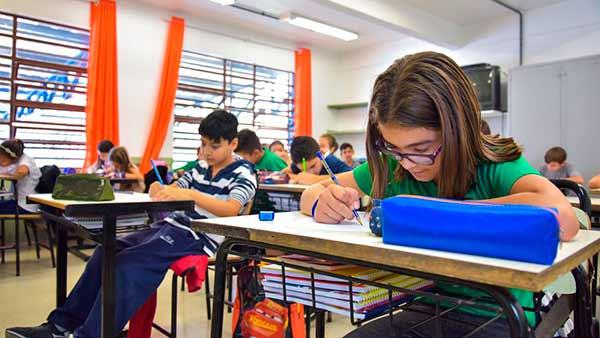Daniel Guerra autoriza início de obras em Escola de Caxias - Revista News