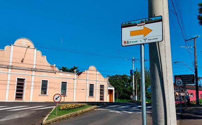 Instalação de placas do cicloturismo da Rota Romântica em Ivoti - Revista News