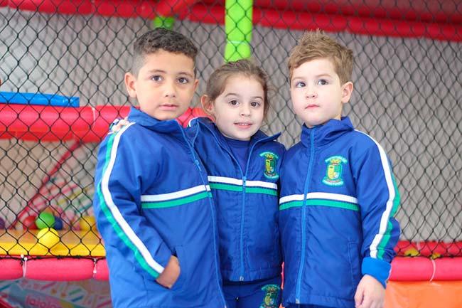 Jaqueta retorna para o kit de uniforme escolar em Passo Fundo - Revista News