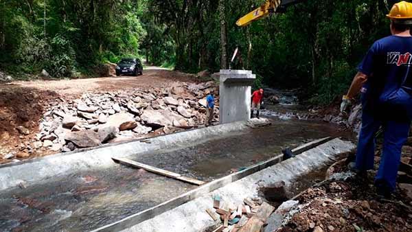 Seguem obras da nova ponte na Linha Feijó - Revista News