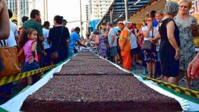 Photo of Bancas comemoram 70 anos com bolo de sete metros, em NH