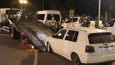 Photo of Fiscais flagram VW Golf com identificação falsa de táxi, em Caxias