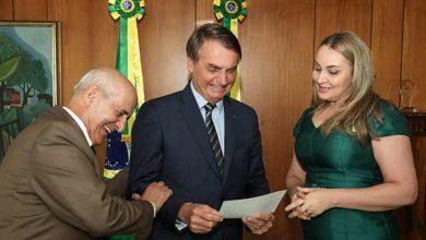 Photo of Jair Bolsonaro tem audiência com Daniela Reinehr, governadora em exercício de SC