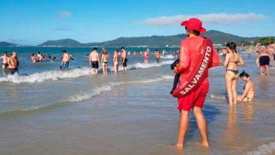 Photo of Corpo de Bombeiros Militar reforça segurança na praia de Canasvieiras em Florianópolis